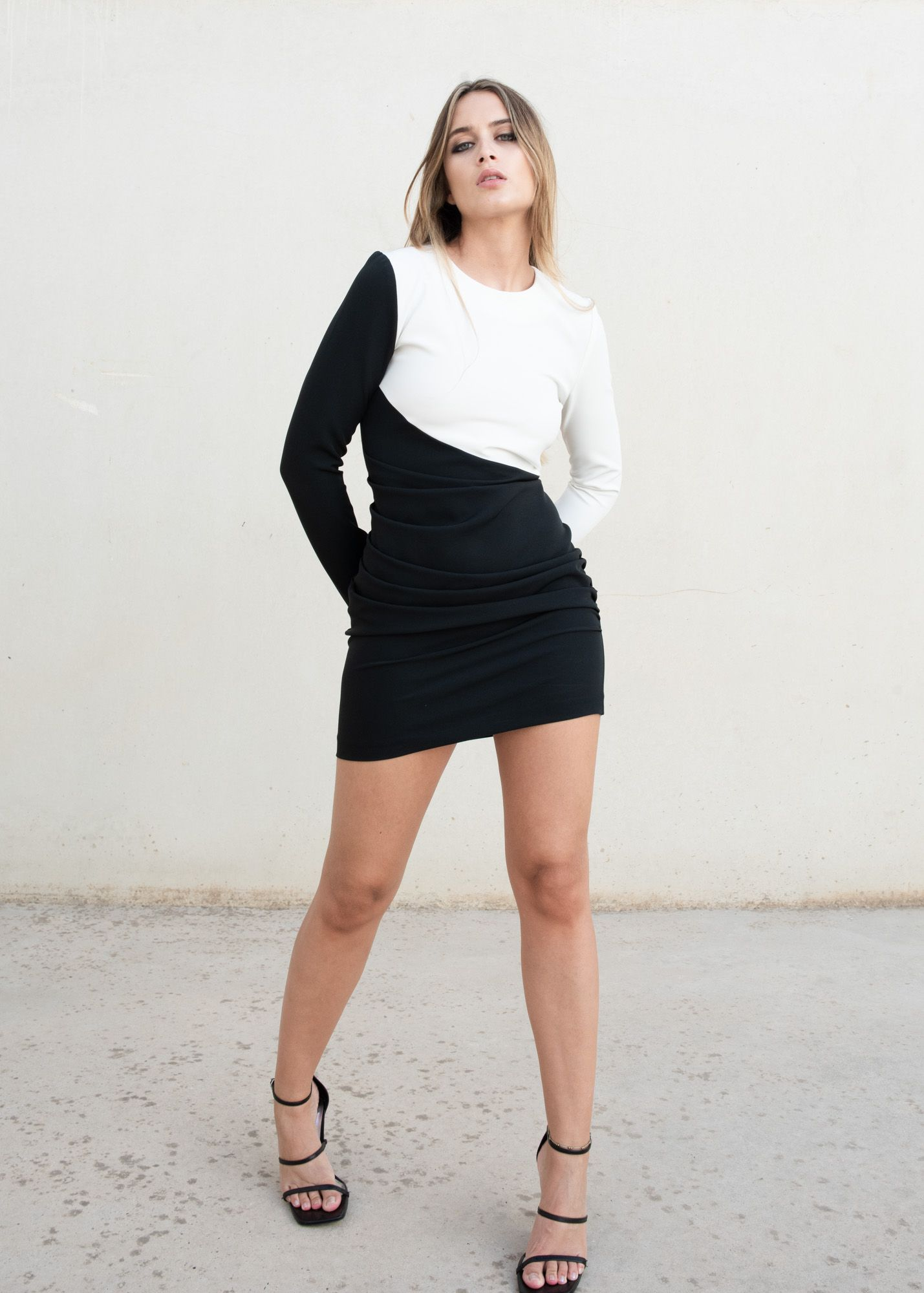 MINI DRESS WITH CONTRAST