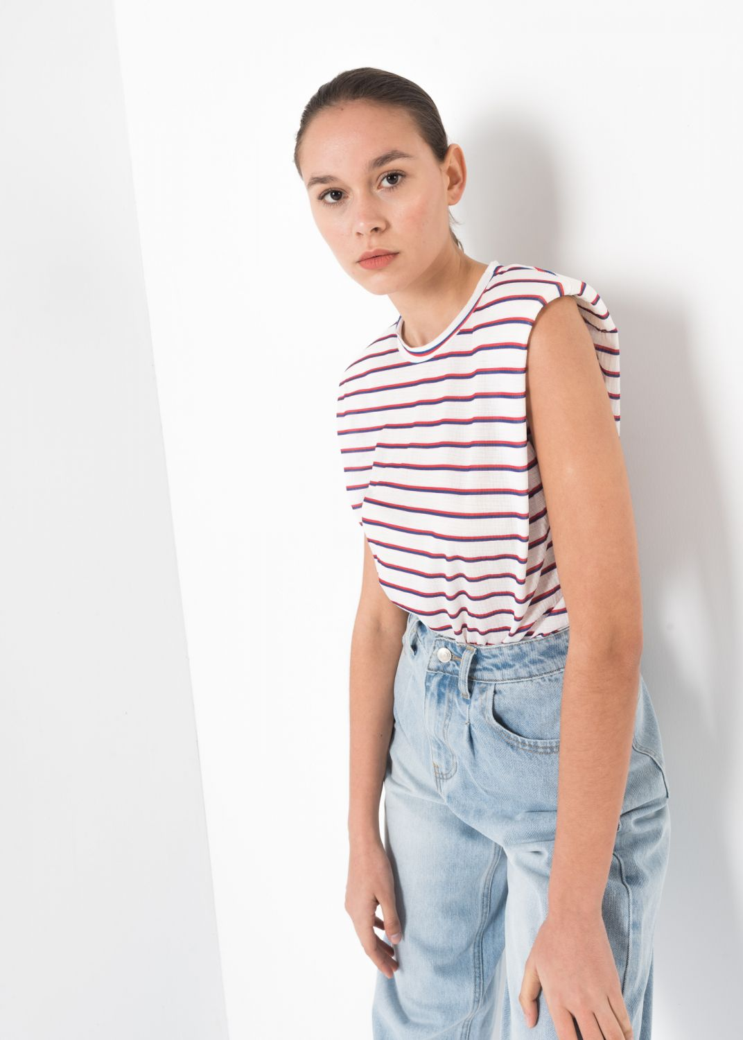 T-SHIRT PRINTED CON SHOULDER PADS